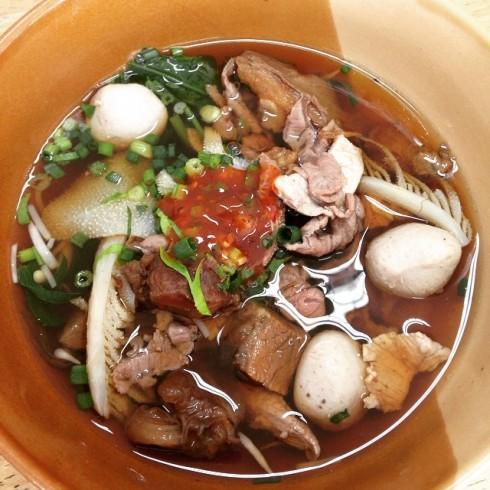 3.10.58 nong_kanpicha ก๋วยเตี๋ยวเนื้อน้ำแดง ร้านเจ๊กเม้ง #เมนูเด็ดเมืองเพชรบุรี #มื้อแรกของวัน #เที่ยวปีใหม่ #เพชรบุรี