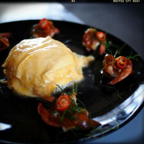 jugnuttha ข้าวไข่ข้นซอสต้มยำกุ้งน้ำข้น แปลกๆดี ไม่รู้เรียกว่าอร่อยมั๊ย ไม่มีอะไรเปรียบเทียบ #chillstyle.jpg