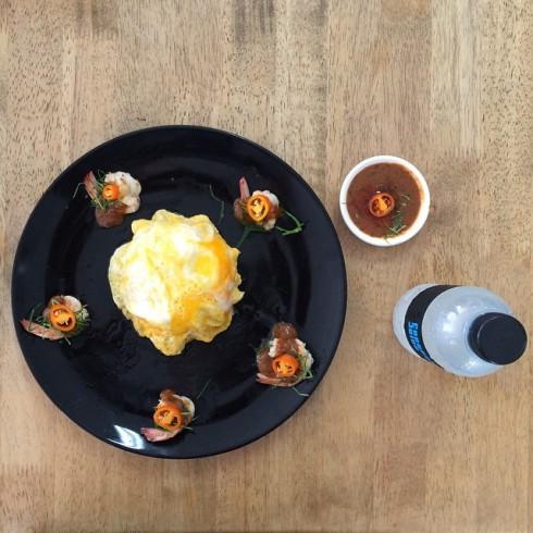 shocksheep ข้าวไข่ข้นซอสต้มยำกุ้งน้ำข้น รางวัลวัลนวัตกรรมอาหารอันดับ 1 ของไทย ปี 2553 #jmcuisine.jpg