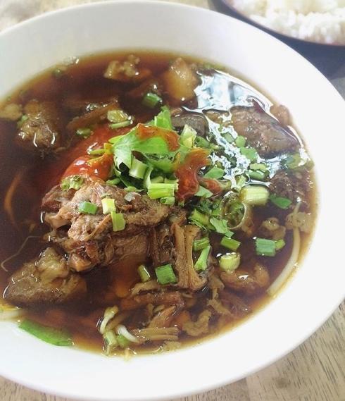 1 pk_tumz มาเพชรบุรี ต้องเจ็กเม้งสิ !!! #lunchtime #noodles #JMcuisine.jpg