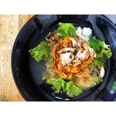 wirasineee บะหมี่ไข่เจียวกรรเชียงปูราดซอสน้ำตาลโตนด #หน้าไม่งอรอไม่นาน #อาหารความคิดสร้างสรรค์ต้นตำหรับเพชรบุรี #FEF4.jpg